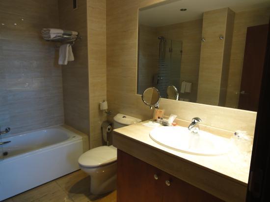 Hotel San Juan de los Reyes: baños