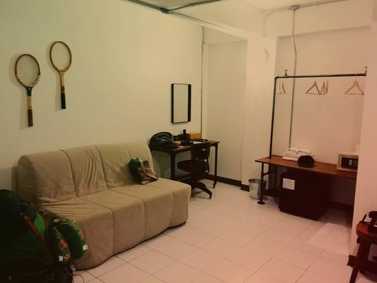 The Simply Room Guest House: 2nd room b. Our christmas eve room in Chiang mai's 1st nite.