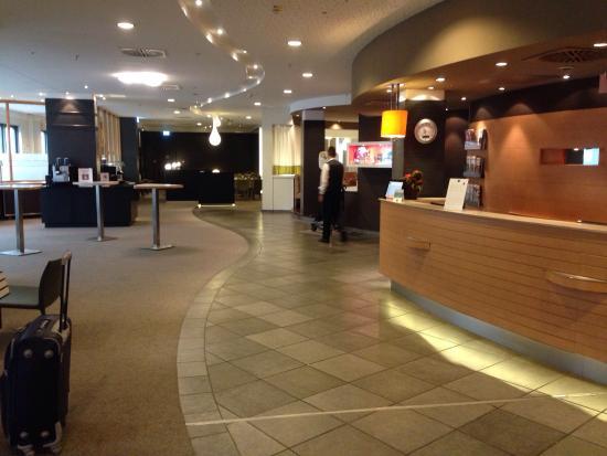 Novotel Frankfurt City: Lobby