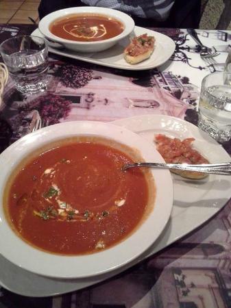 Ristorante Il Siciliano: Tomato soup with bruscetta