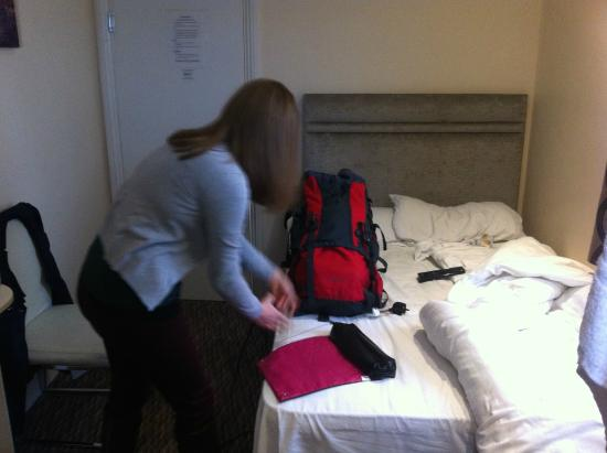 Sapphire Hotel London: another photo showing the size of the room