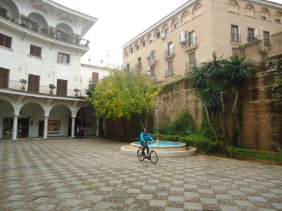 Centerbici: Descobrindo os cantinhos de Sevilla!