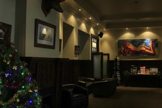 The Cambridge Hotel: receiving area and lounge