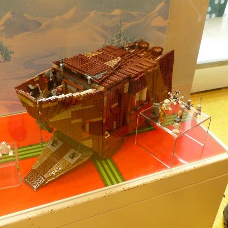 Star Wars themed Lego displays - Photo de The LEGO Store, New York ...