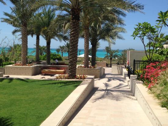 The St. Regis Saadiyat Island Resort: Walk to the beach