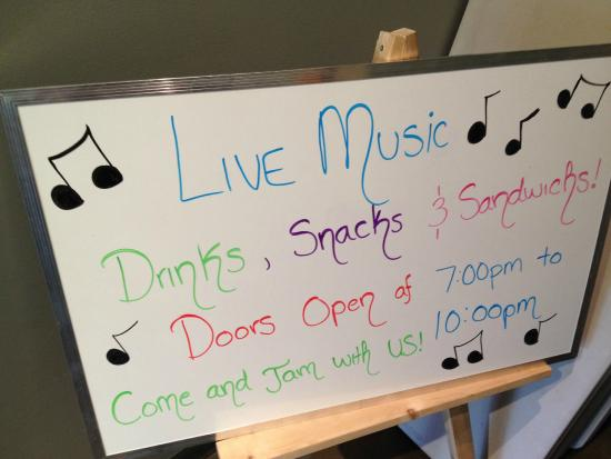 """Flour Meadow Bakery & Cafe: Jam Session """"open mike"""" in der Flour Meadow Bakery"""