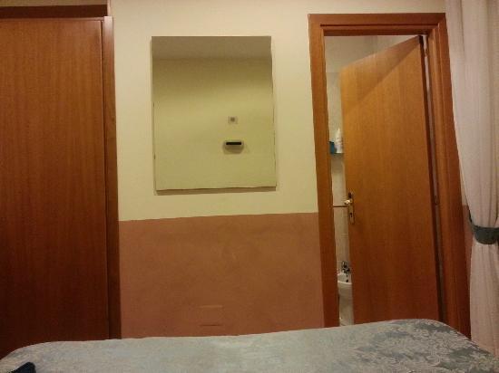 Hotel Zara: bagno