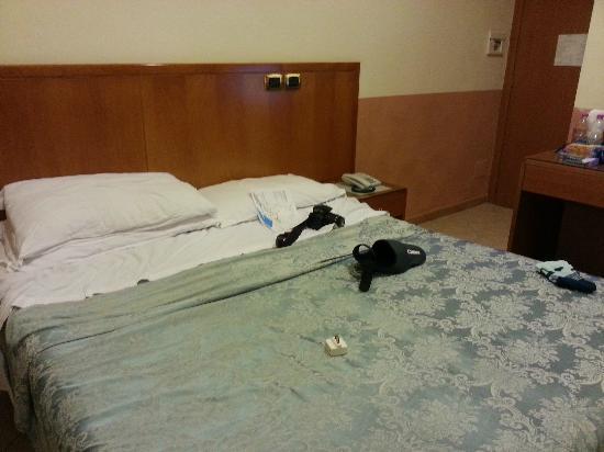 Hotel Zara: letto