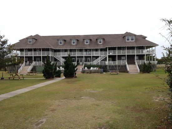 First Colony Inn: The back of the Inn towards the ocean