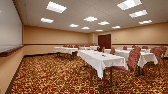 BEST WESTERN Hospitality Hotel & Suites: Meeting / Banquet Room