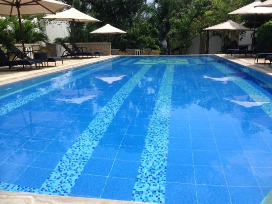 Lantana Galu Beach: Quiet pool next to B1