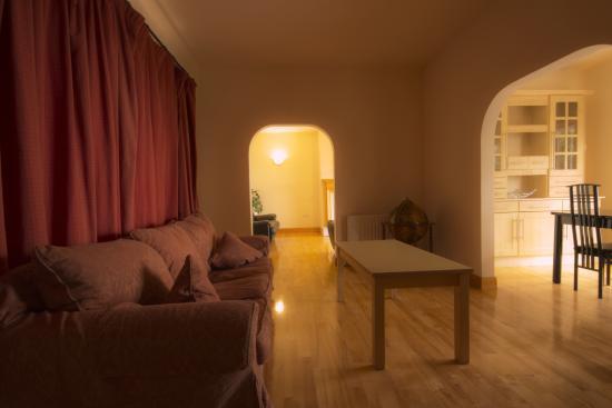 Photo of Bella Vista Hotel & Self Catering Suites Cobh