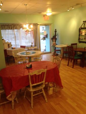 Mimi's Bakery: Dinning room
