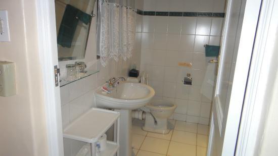 Marben Manor Guest House: Casa de banho