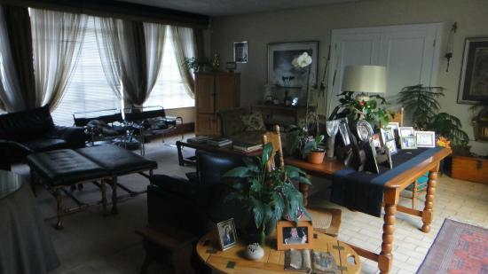Marben Manor Guest House : Sala de estar