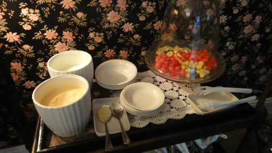 Marben Manor Guest House: Café da manhã