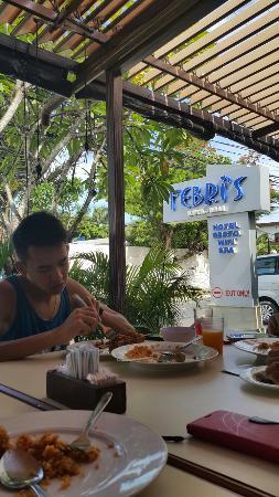 Febri's Restaurant: Breakfast