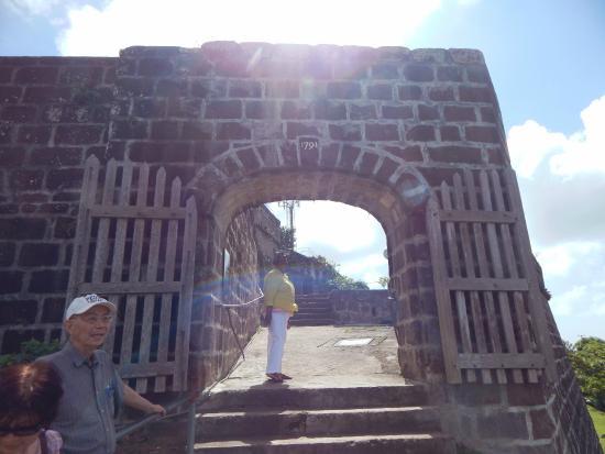 Fort Frederick: Fort Fredrick, enterance