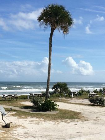 Coral Sands Inn & Seaside Cottages Ormond Beach: View to the beach