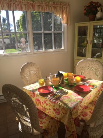 Garden Cottage at the Green B&B: Breakfast