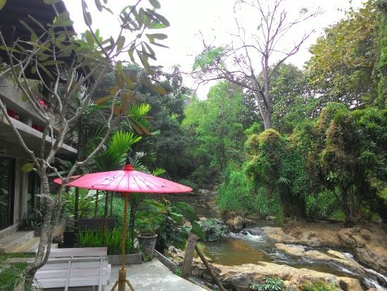 At Nata Chiangmai Chic Jungle: Waterfall