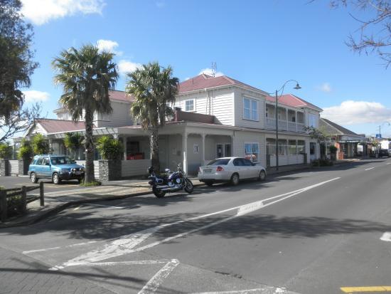 Tuakau Hotel: Het gebouw
