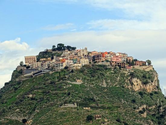 Finestra sul Mare: panorama Castelmola