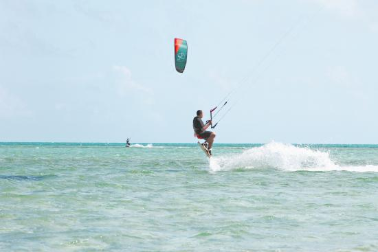 Cross-Shore Bahamas Kiteboarding School