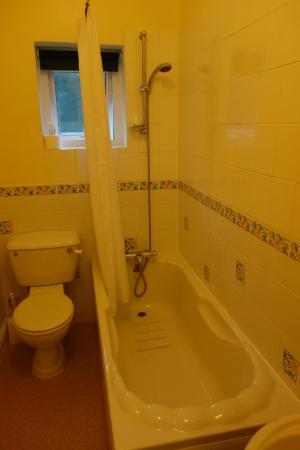 The Havelock: Bathroom