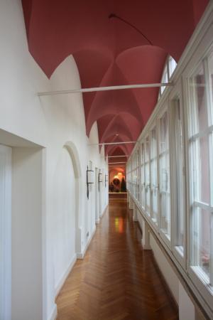 Hotel Bischofshof am Dom: коридор