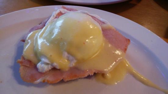 Palmetto Bay Sun Rise Cafe: City Ham (Eggs Benedict)