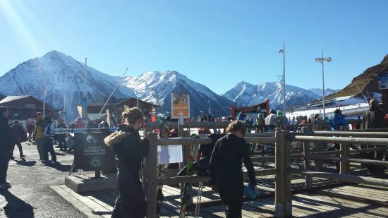 Station de ski - Saint Lary Soulan : Vu depuis la billetterie