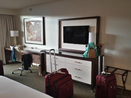 Hilton Bellevue: Room 821