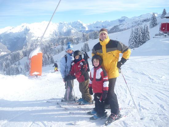 Chalet Almandine: Skiing in Morillon