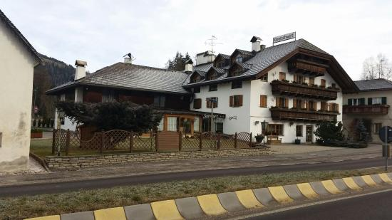 Hotel Gratschwirt: the front hotel-side !