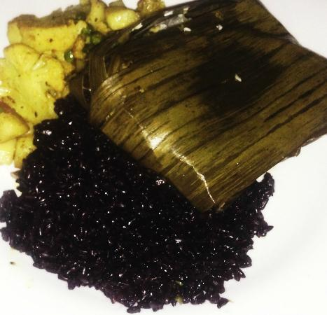 The National Hotel Restaurant and Bar : Swordfish wrapped in Banana leaf with black forbidden rice
