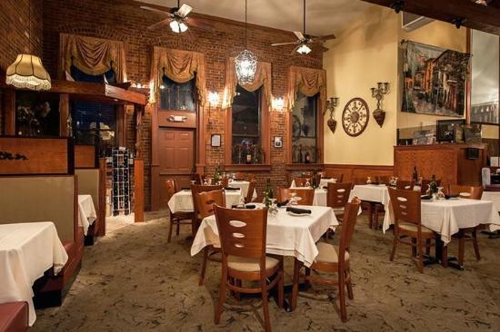 Signatures Restaurant: Main Dining Room
