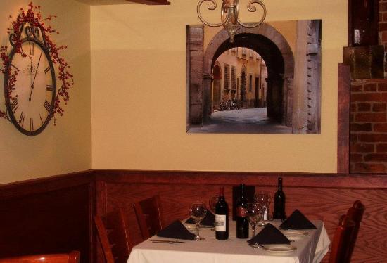 Signatures Restaurant: Dining room