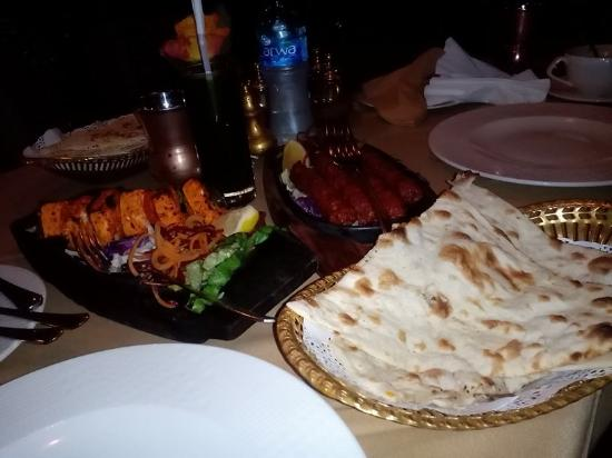 Indian Palace: Our Dinner. Grilled Cheese in skewer, meat kabab, nan bread and lemon juice