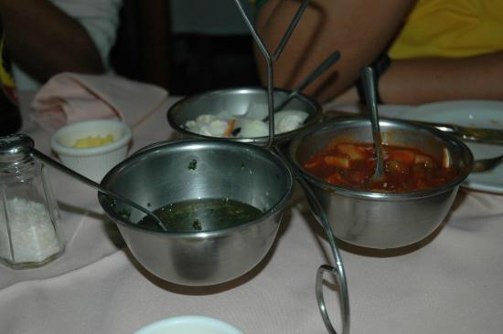 Restaurante La Cascada: apetrechos dos pratos