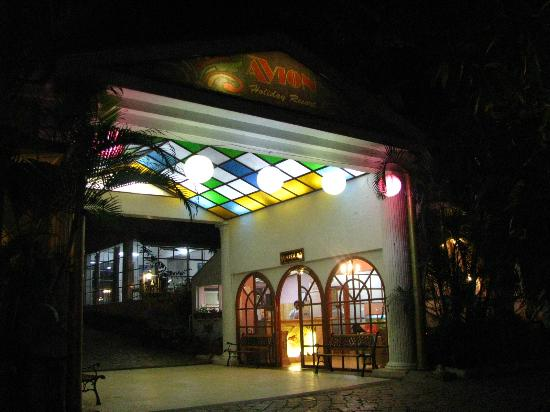 Avion Holiday Resort: Hotel entrance