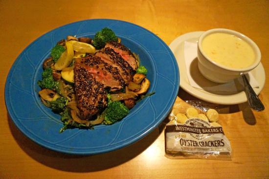 Sebago Brewing Co : Ponzu tuna steak, steamed vegetables, wild rice, seafood chowder soup