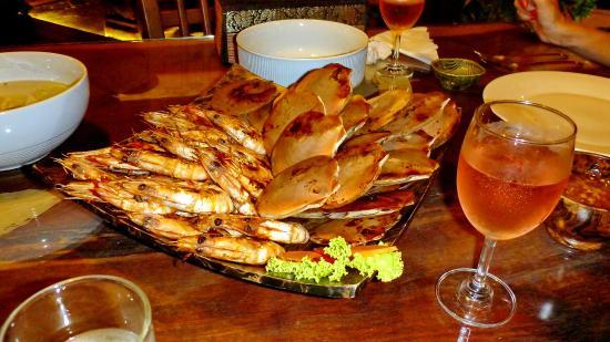 The Mangrove Hideaway Koh Chang : ужин из морепродуктов с розовым вином