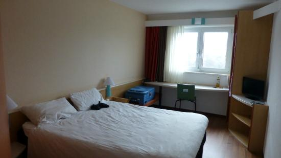 Ibis Würzburg City: Room 415