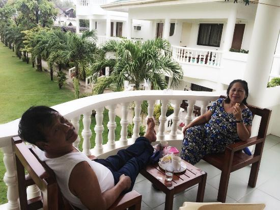 Bans Beach Resort: My mom and dad relaxing :)