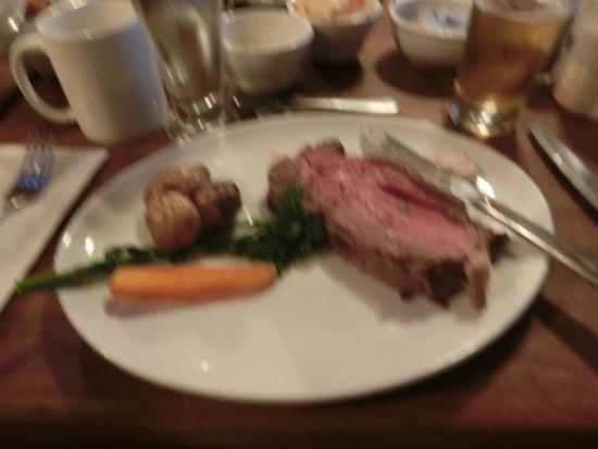Elk and Oarsman Kitchen and Bar: アルバータ牛