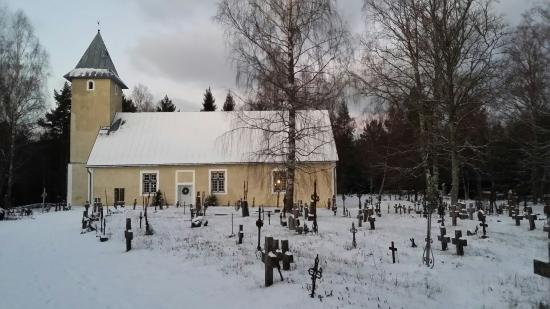 Rooslepa Chapel and Cemetery