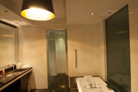Hotel Beaux Arts, Autograph Collection: Badezimmer Mit Whirlpool