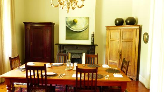 Osborne Guest House: The Dining Room
