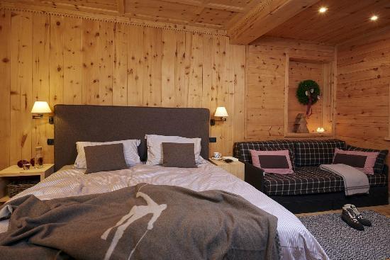 Camera wood in legno di cirmolo - Foto di Hotel La Genzianella ...